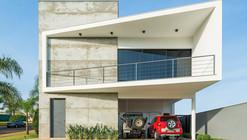 Alpha House / Studio Fabrício Roncca