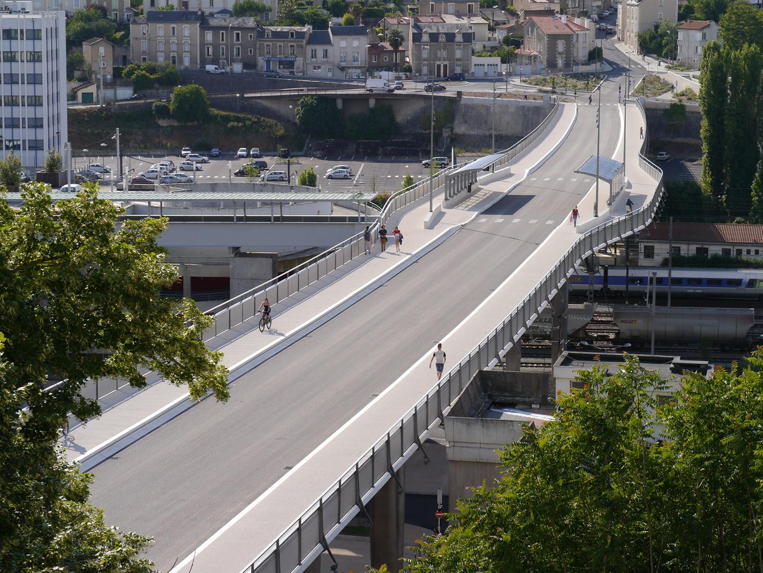 Léon Blum Viaduct Bridge / RFR, Courtesy of RFR