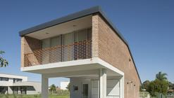 Miraflores House / Gerardo Caballero Maite Fernandez Arquitectos