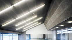 UDC Gymnasium Under Stands / GLF Arquitectos