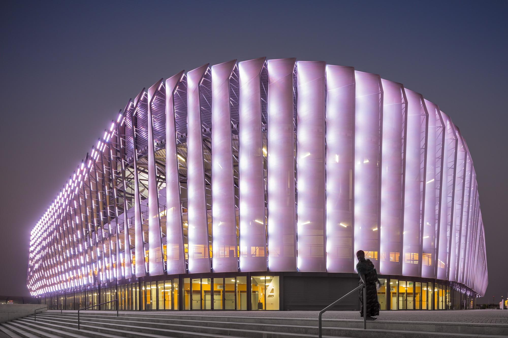 Luanda Multisports Pavilion / Berger Arquitectos, © Fernando Guerra | FG+SG
