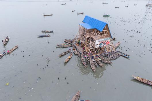 Makoko Floating School / NLÉ Architects. Image © Iwan Baan