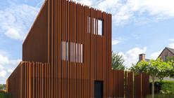 The Corten House / DMOA Architecten