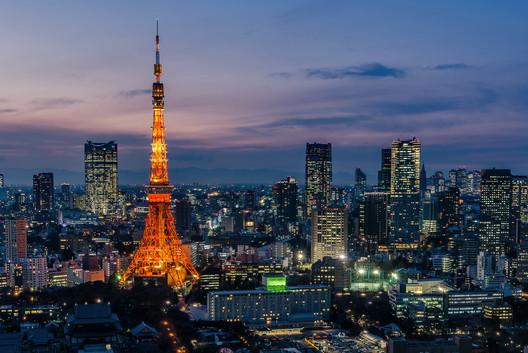 Tokyo. Image © Flickr CC User Les Taylor