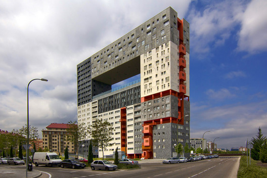 Mirador Housing Project by MVRDV in Spain aligns with McKinsey's goals for affordable housing. Image © Flickr User Wojtek Gurak; Licensed via Creative Commons