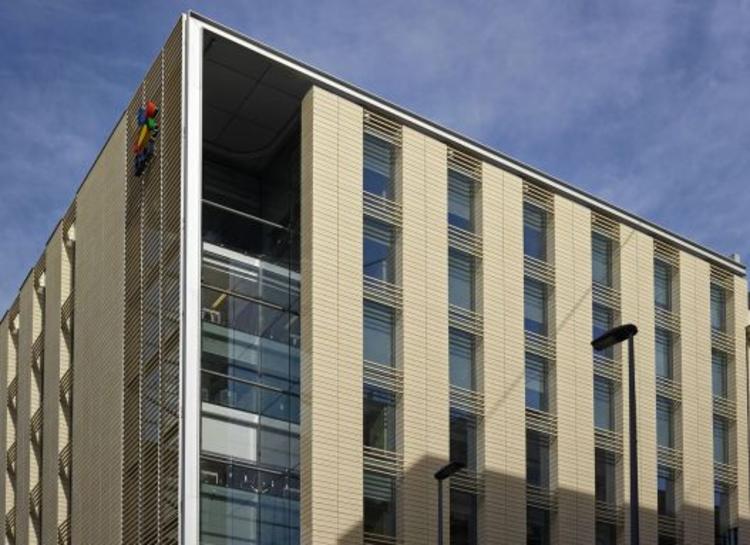 Edificio Banco BCI / A4 Arquitectos