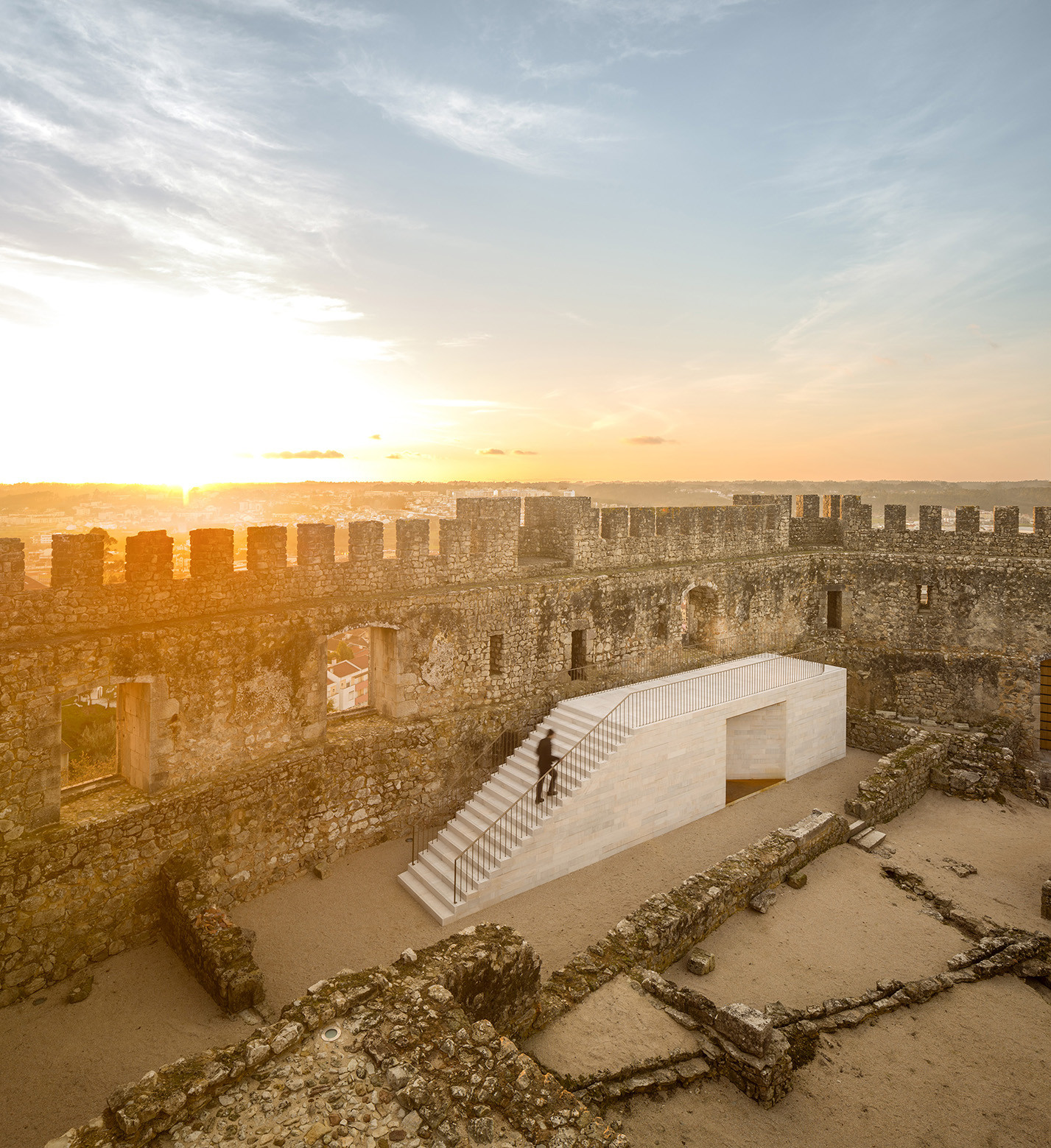 Pombal Castle's Visitor Centre / COMOCO, © Fernando Guerra | FG+SG
