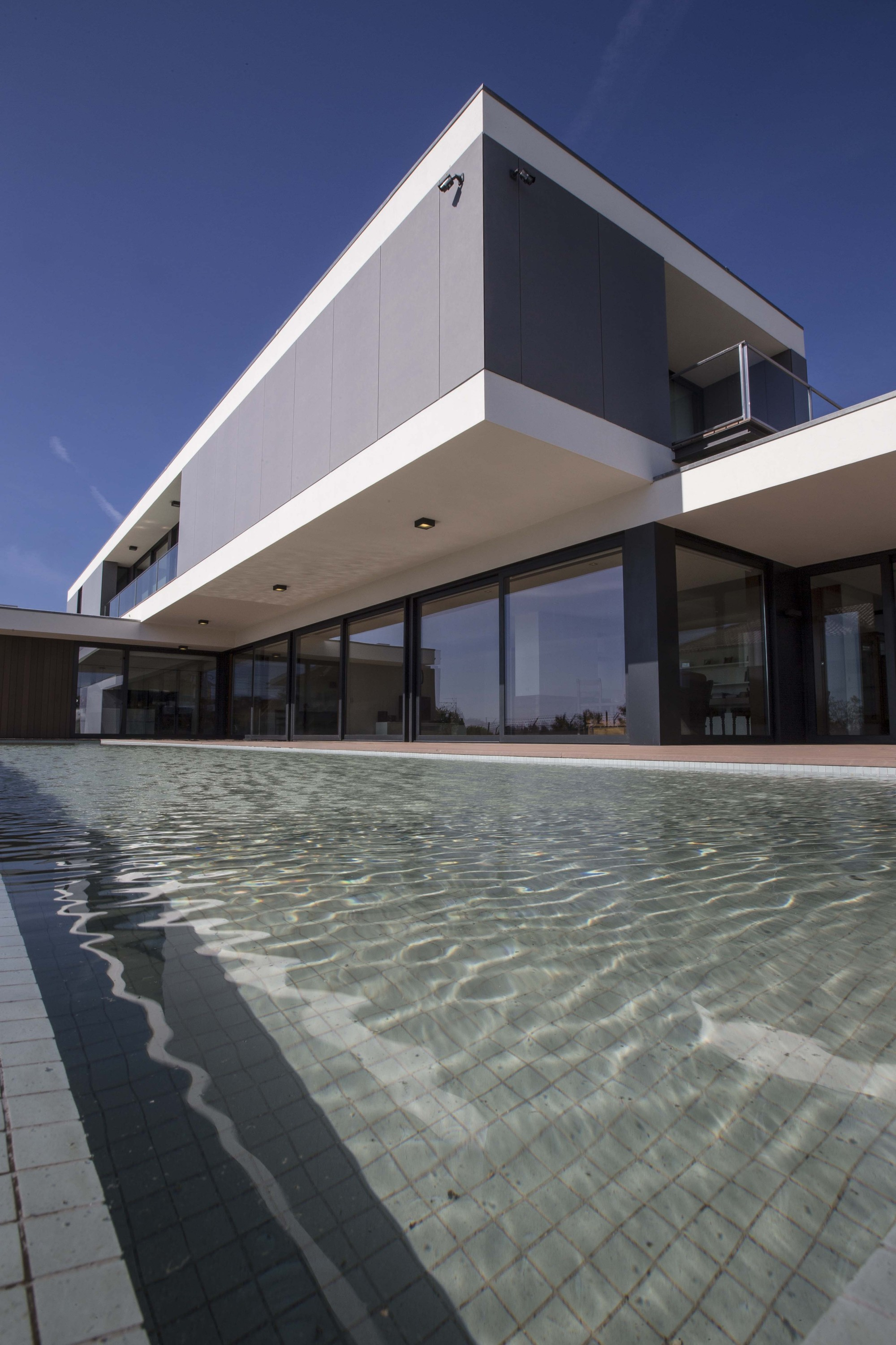 Gallery of jd house atelier d 39 arquitectura j a lopes for Atelier arquitectura