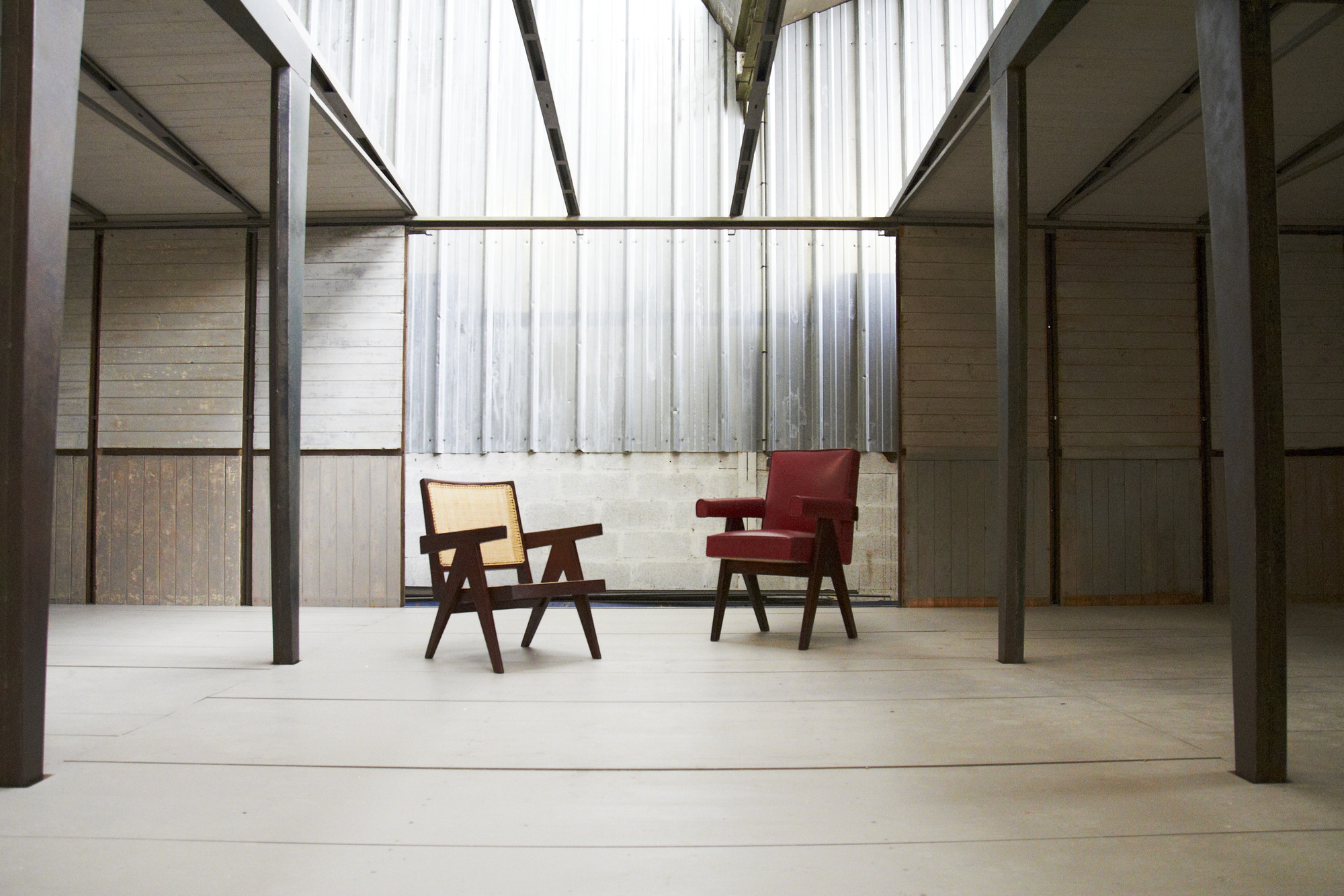 Jean Prouvé's Demountable House to be Exhibited at Design Shanghai 2015, Prouve House with Easy Armchair Chair and Committee Chair by Jeanneret. Image Courtesy of Forward
