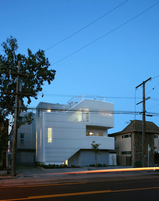 Buzz Court / Heyday; Los Angeles, CA . Image Courtesy of AIA Los Angeles