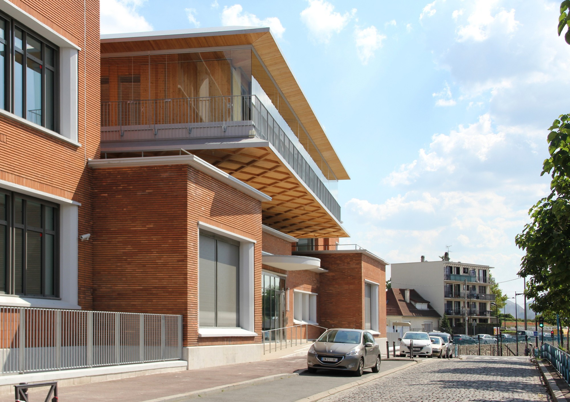 Secondary School / Hubert & Roy Architectes, Courtesy of Hubert & Roy Architectes