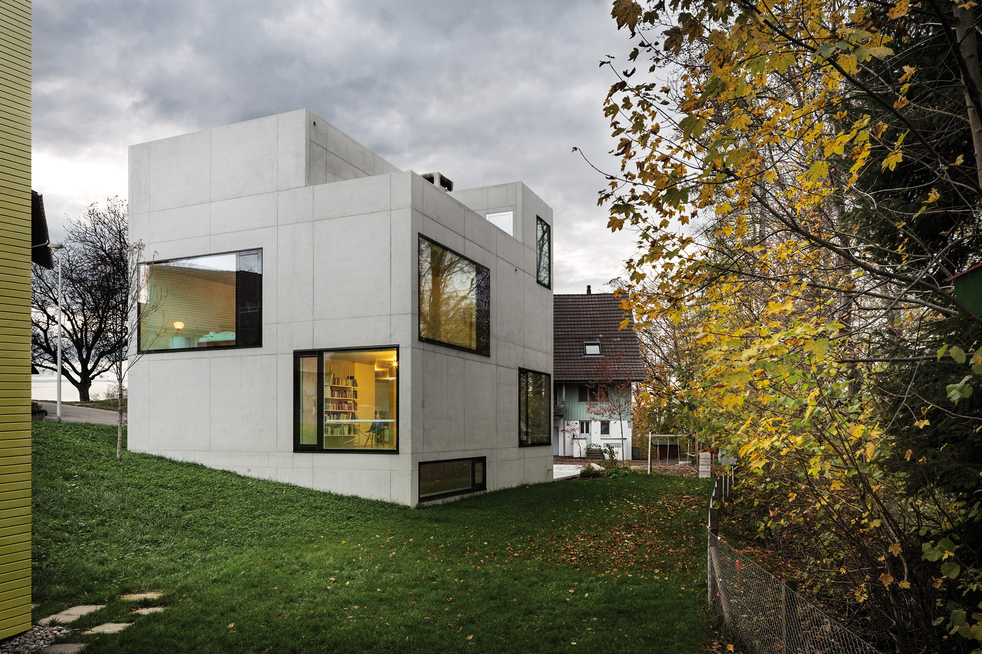 Mühlestrasse Residential and Studio Building / AmreinHerzig, © Lucas Peters