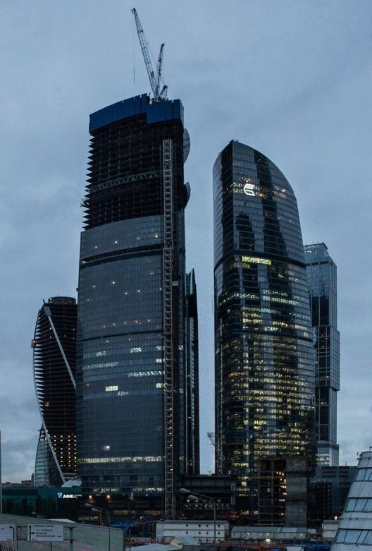 via wikipedia. Imagen Torre Vostok en Moscú, Rusia — 342m