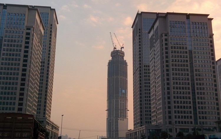 via Wikimedia. Imagen Wuhan Center en Wuhan, China — 438m