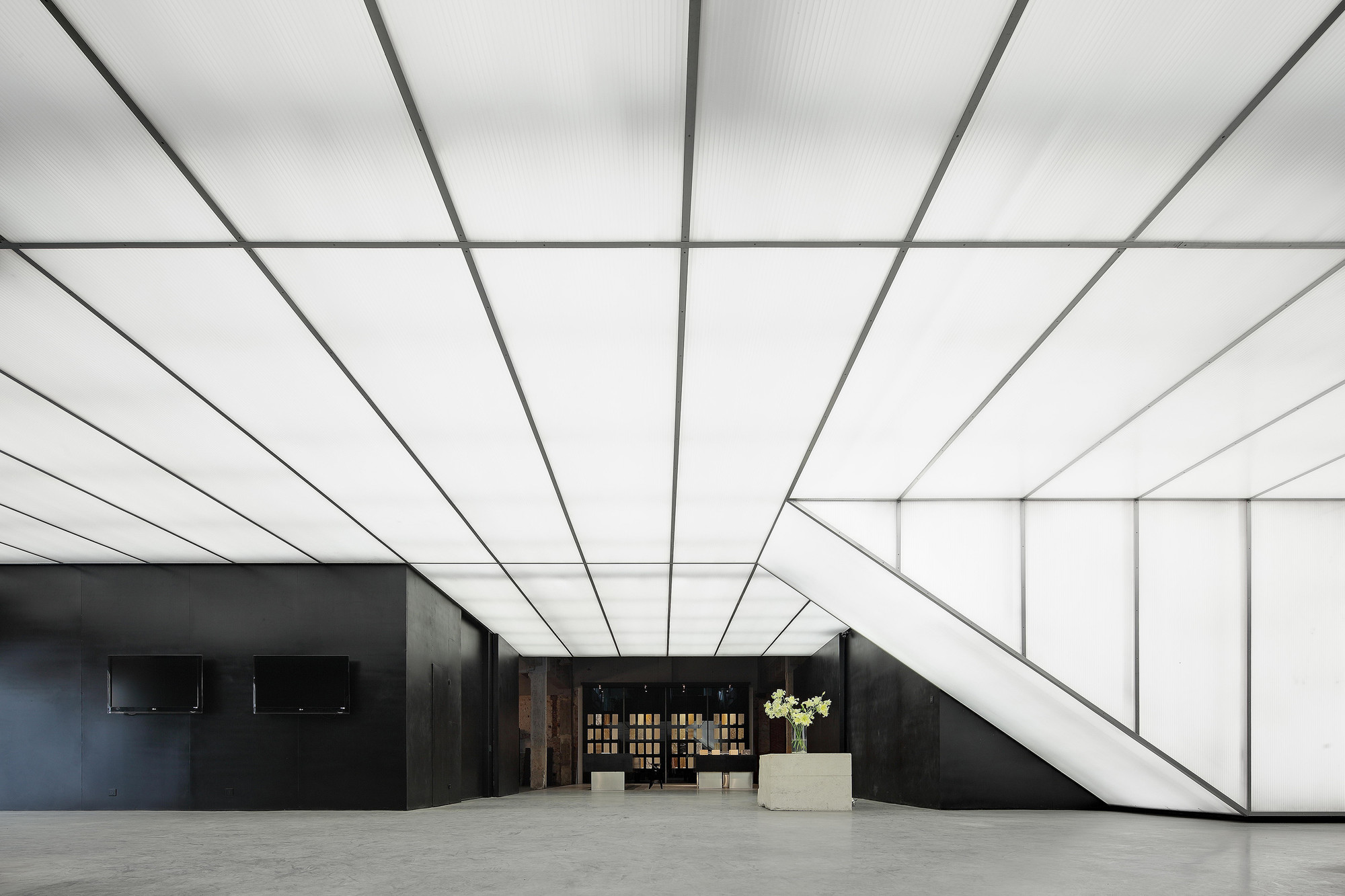 Gallery of stone art gallery o office architects 1 for Architecture art