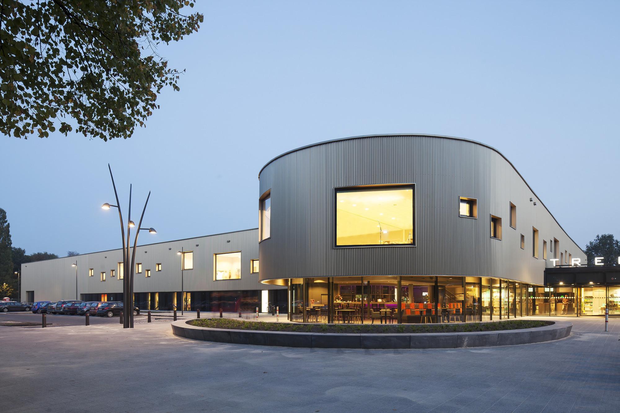 de Trefkoele+ Community Center / MoederscheimMoonen Architects  + Spring Architecten, © Luuk Kramer
