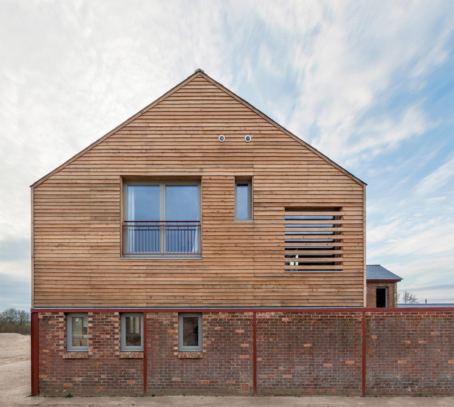 Timber frame house a zero architects archdaily for Timberframe house