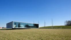 Entrada al cementerio Tyne Cot / Govaert & Vanhoutte Architects