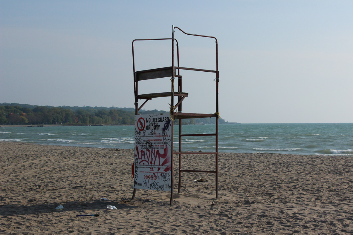 Toronto's life guard stands. Image Courtesy of RAW Design, Ferris + Associates and Curio