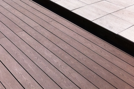 Materiales: Decks WPC , Deck WPC (Wood and Plastic Composite) / Brimat