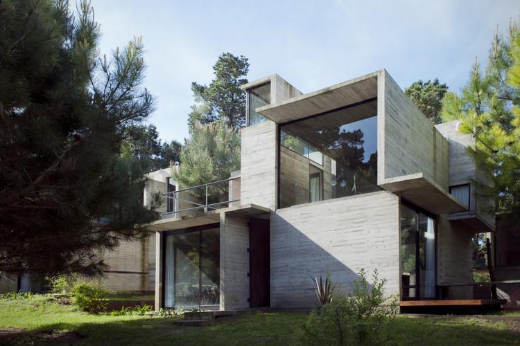 Complejo V+D / BAK arquitectos, © Inés Tanoira