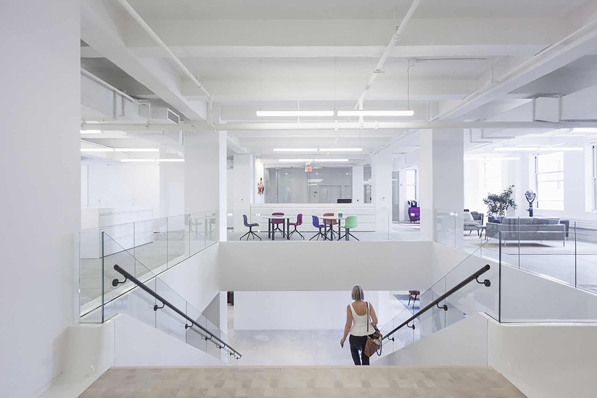 Red bull 39 s new york offices inaba archdaily - Decoration bureau new york ...