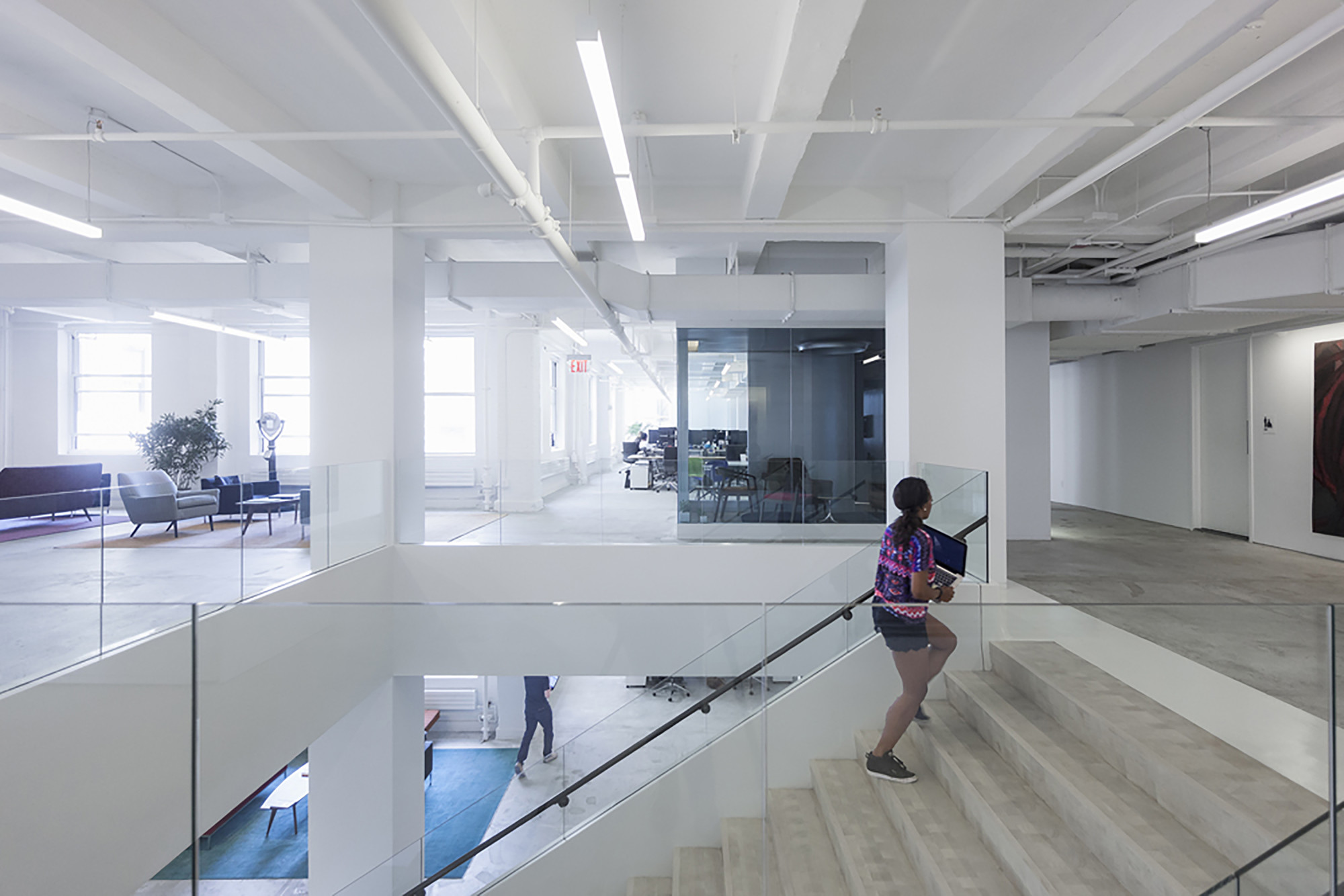 Red bull 39 s new york offices inaba archdaily for Office design new york