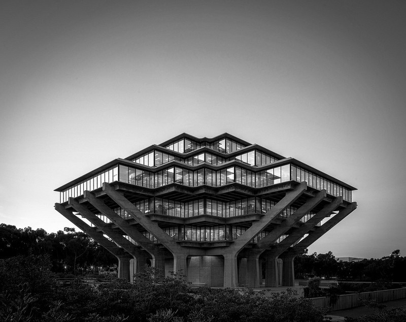 AD Classics: Geisel Library / William L. Pereira & Associates, © Darren Bradley