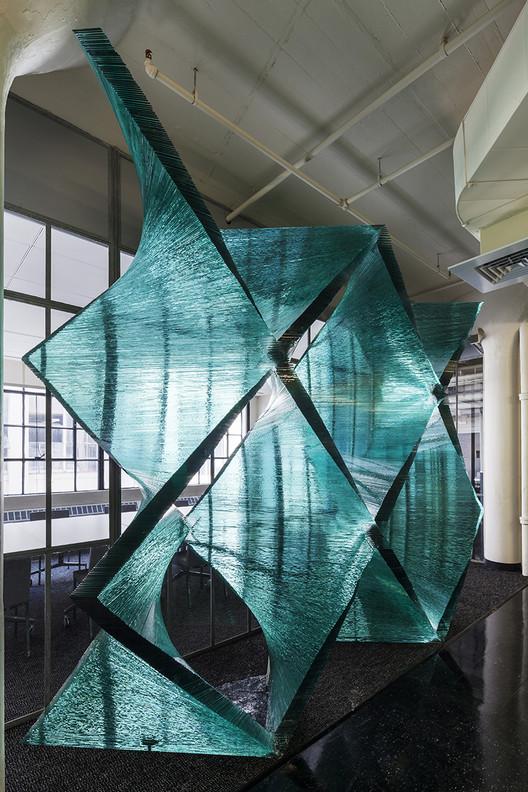 Tectónica de la Transparencia: explorando las posibilidades estructurales del vidrio, © John Horner y Jane Messinger