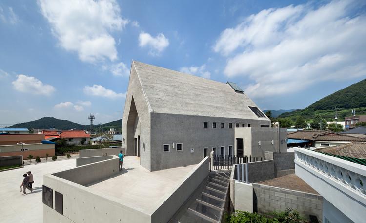 Iglesia Católica Inbo / Archigroup MA, © Yoon, Joonhwan