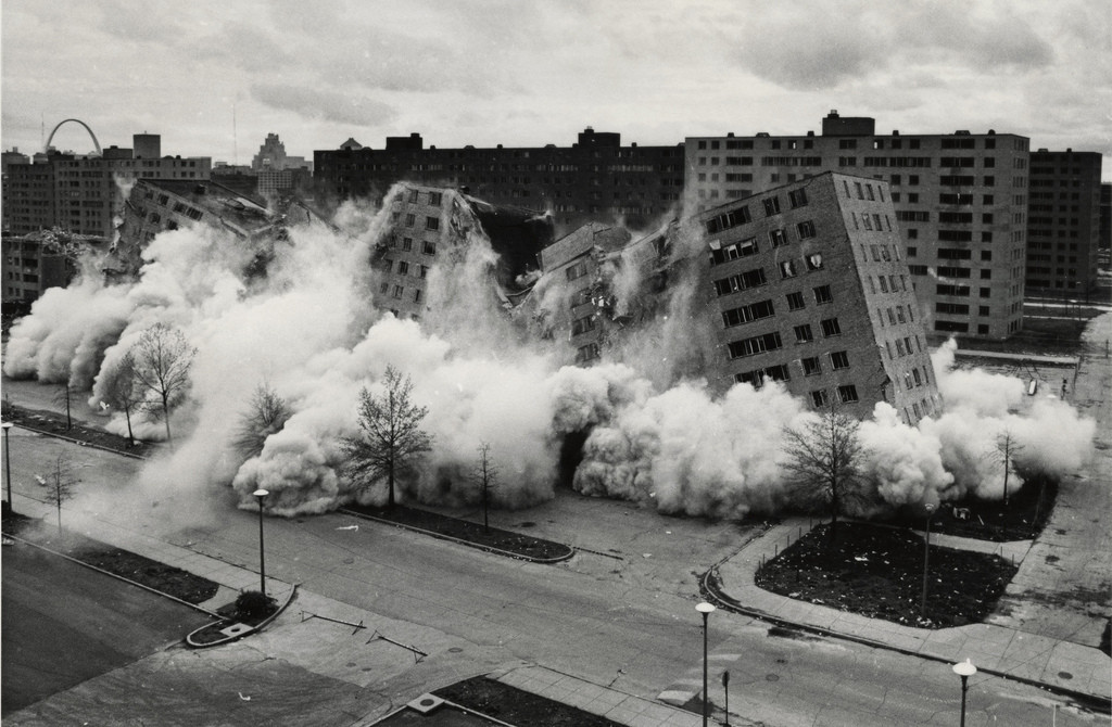 Destruction of Pruitt-Igoe in 1972