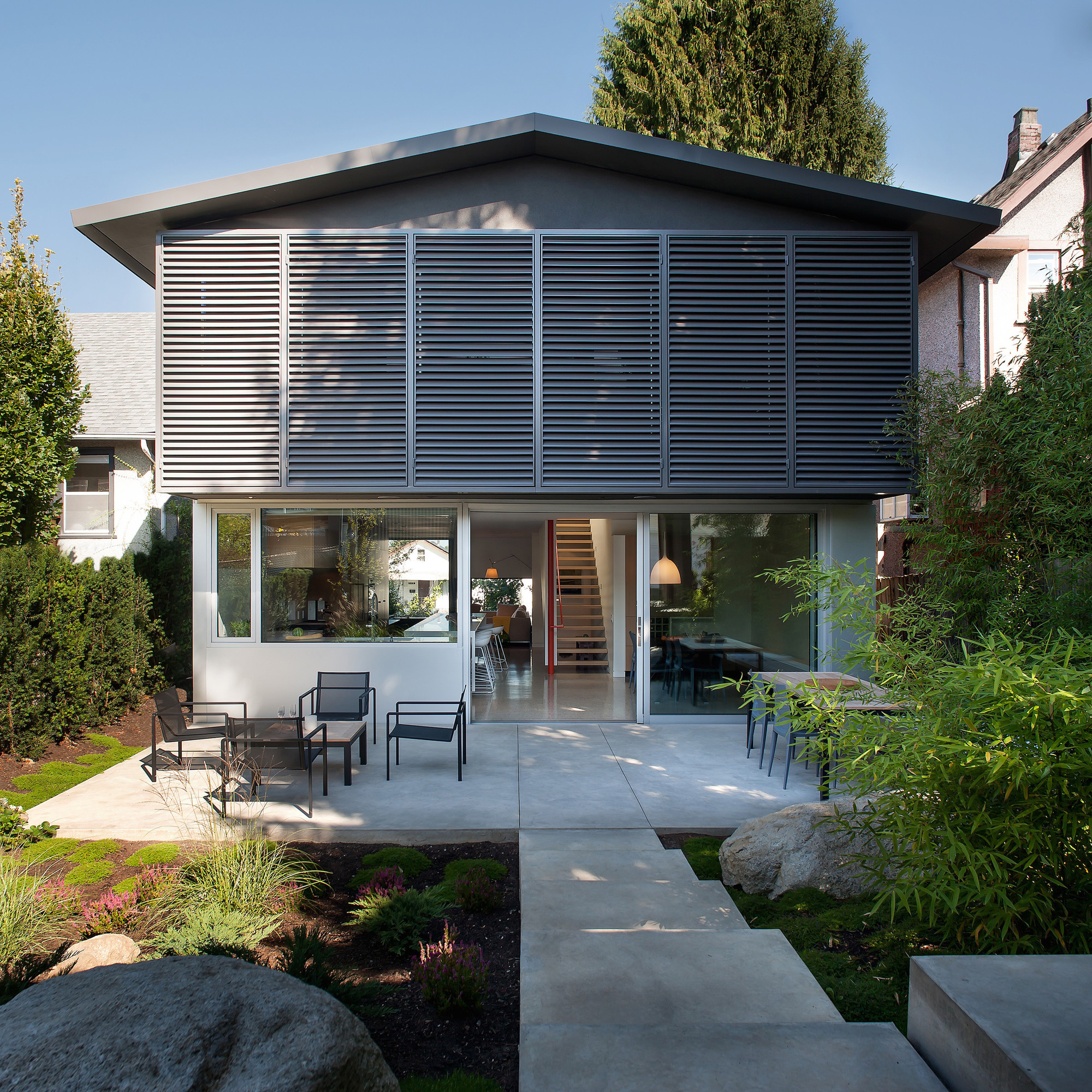 Gallery of 430 house d arcy jones architecture 7 for Jones architecture