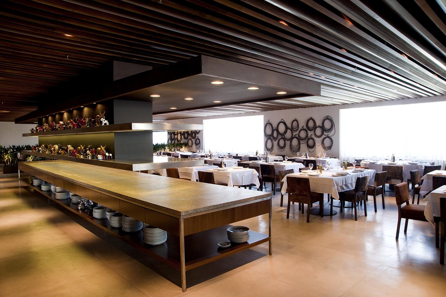 Rodeio Restaurant / Isay Weinfeld, © Romulo Fialdini