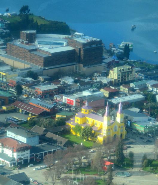Castro Mall e Iglesia. Image © Alan Bannister