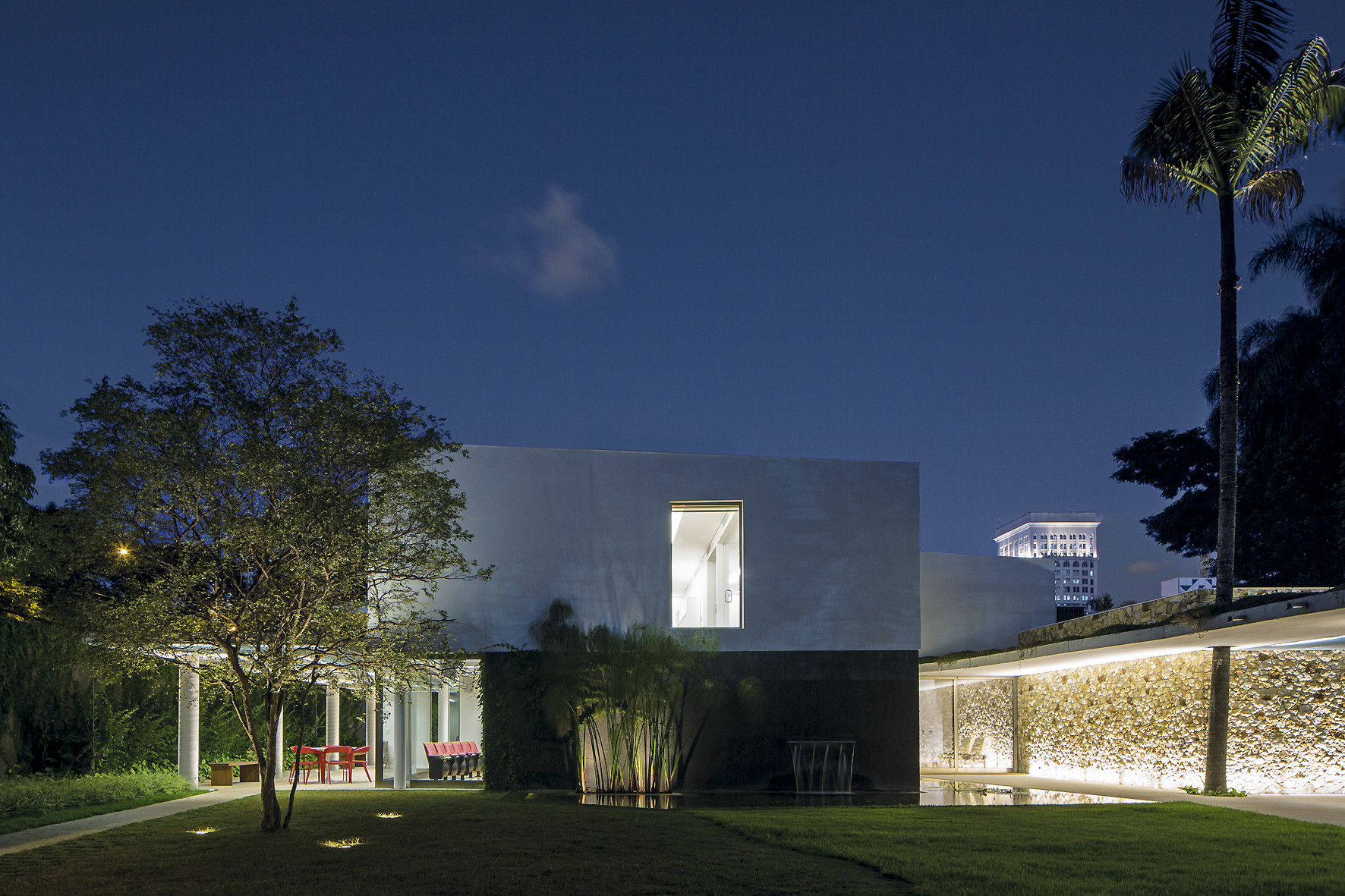 Research Institute / Reinach Mendonça Arquitetos Associados, © Leonardo Finotti