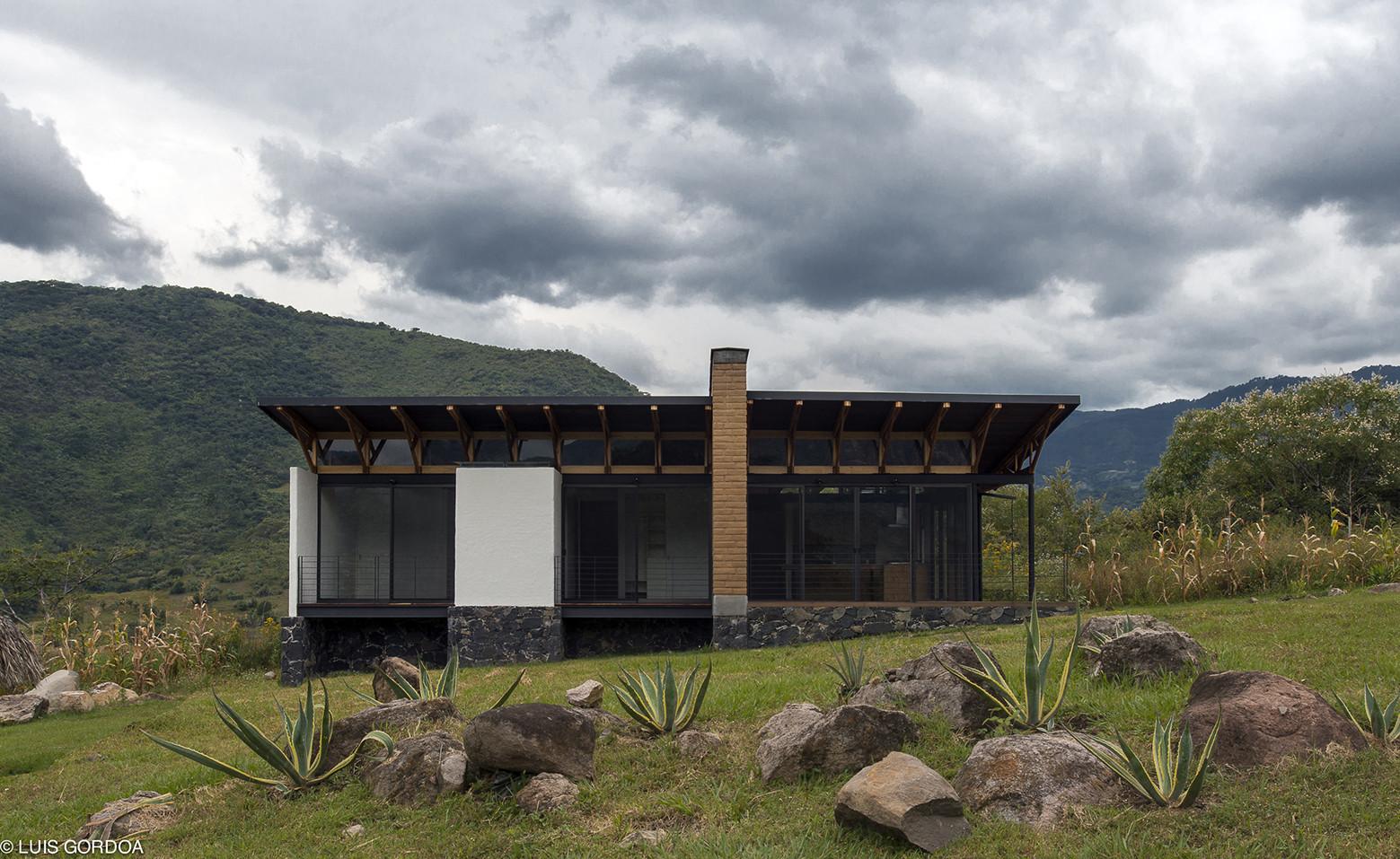 Malinalco House / Arquitectura Alternativa, © Luis Gordoa