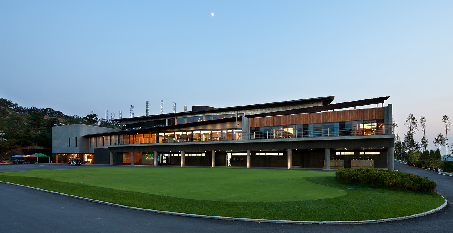 Gallery of seowon golf club house itm yooehwa architects for Clubhouse architecture design