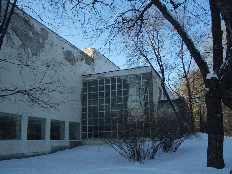 Pre-renovation dilapidation. Image Courtesy of The Finnish Committee for the Restoration of Viipuri Library