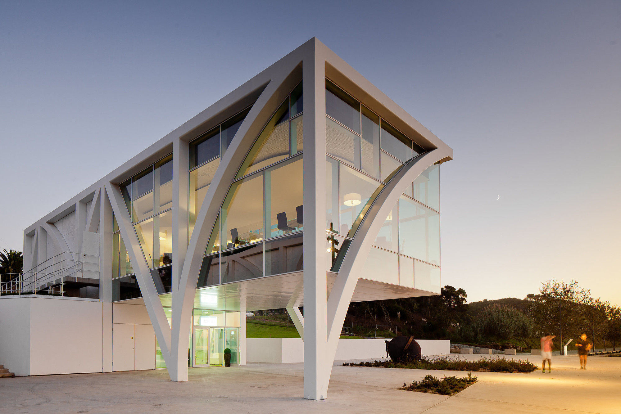 Marina douro barbosa guimaraes architects archdaily - Architecture of a building ...