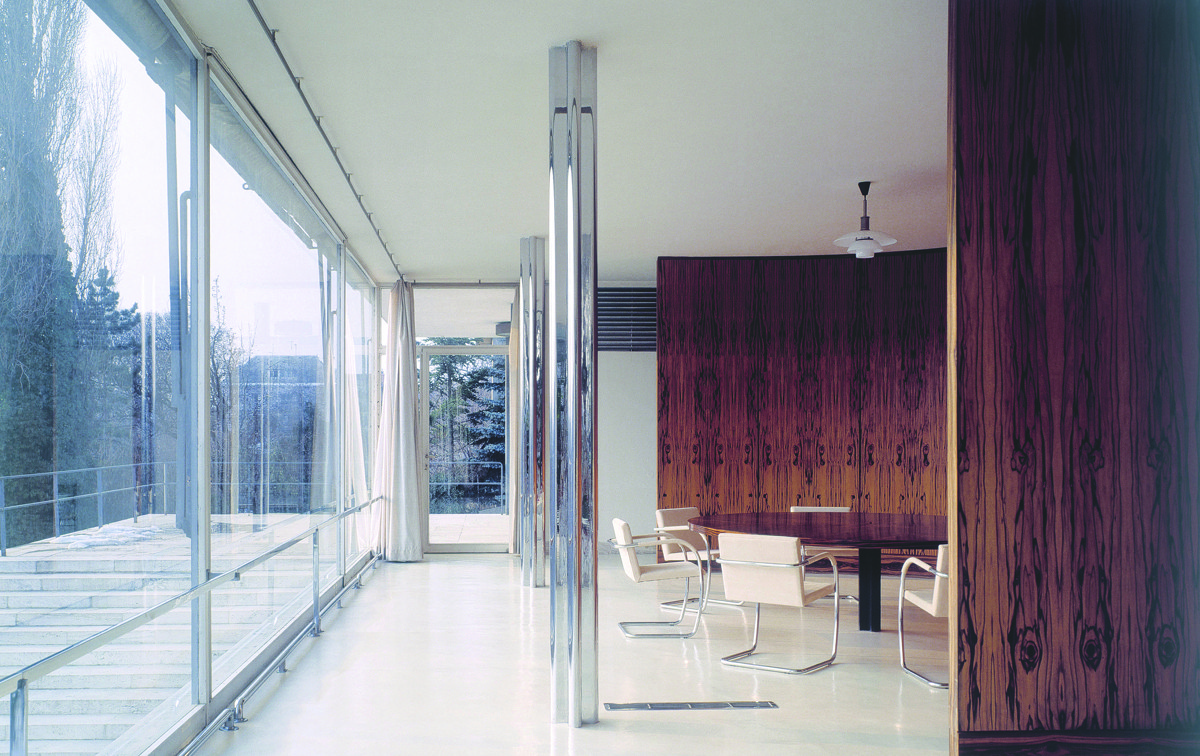 Material masters glass is more with mies van der rohe for Design apartment udolni brno