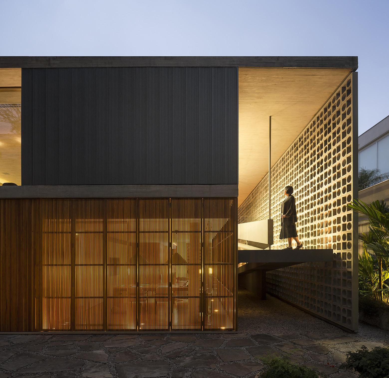 B+B House / Studio MK27 + Galeria Arquitetos, © Fernando Guerra | FG+SG