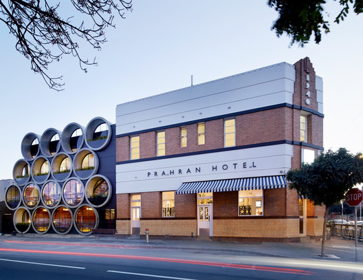 AIA National Award Winner: Prahran Hotel / Techne Architects. Image © Peter Clarke