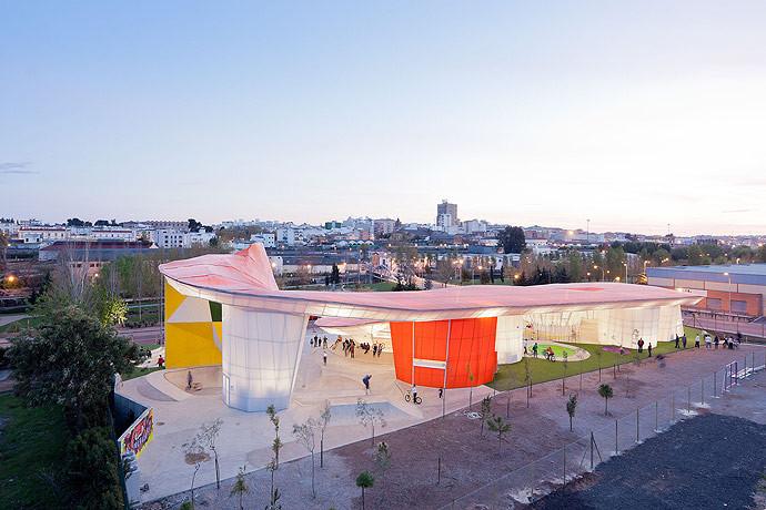 Fábrica de Movimiento Juvenil de Mérida. Imagen © Iwan Baan
