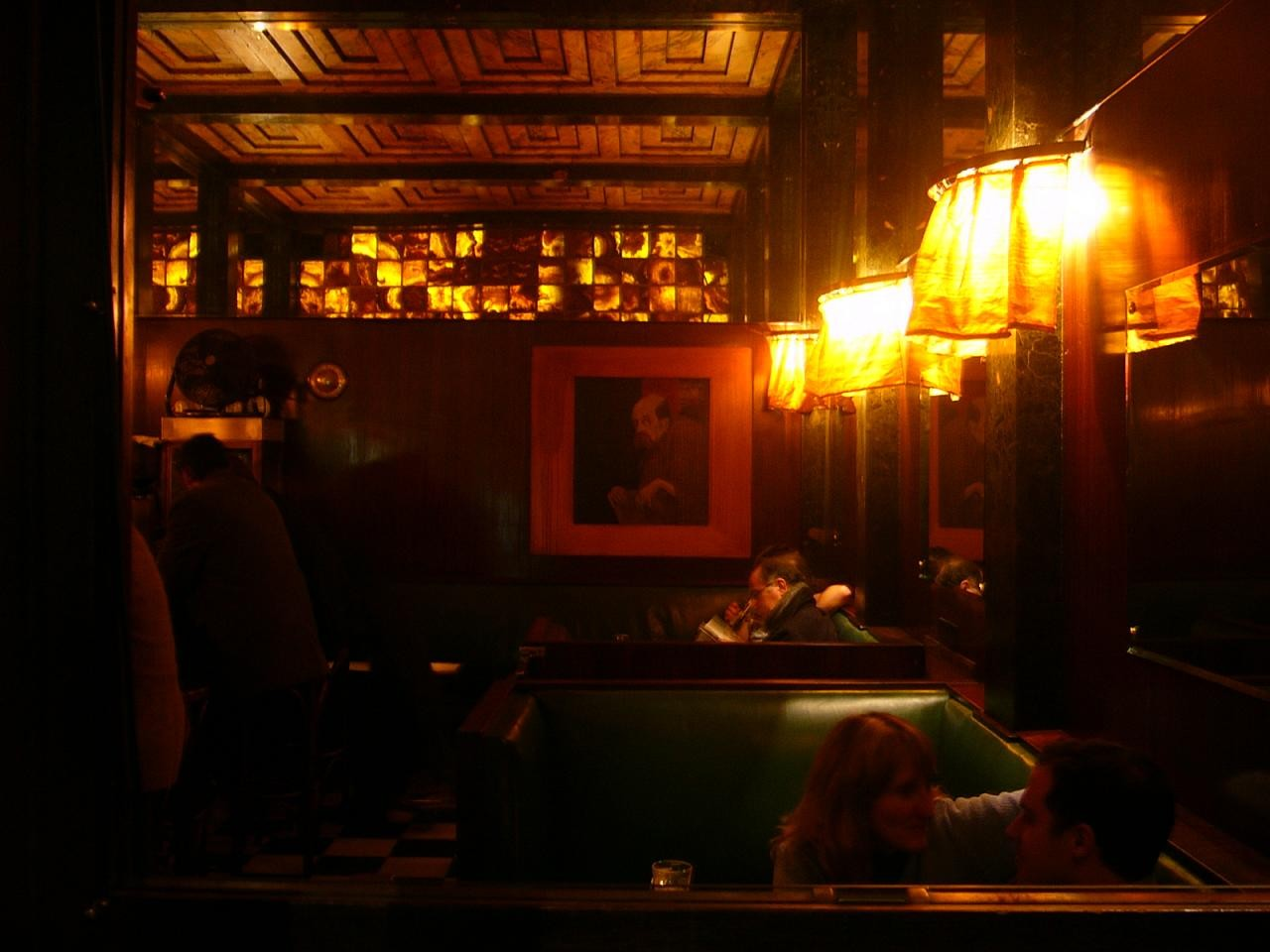 El interior del Bar American en Viena. Image © Flickr CC user Rory Hyde