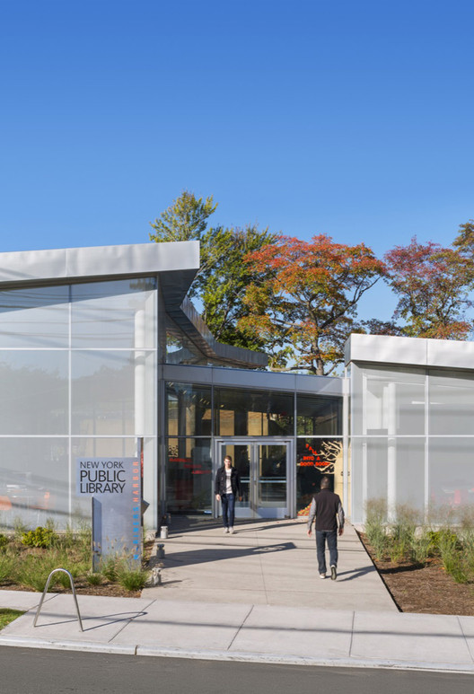 Mariner Harbor Branch Library / A*PT ARCHITECTURE | ArchDaily