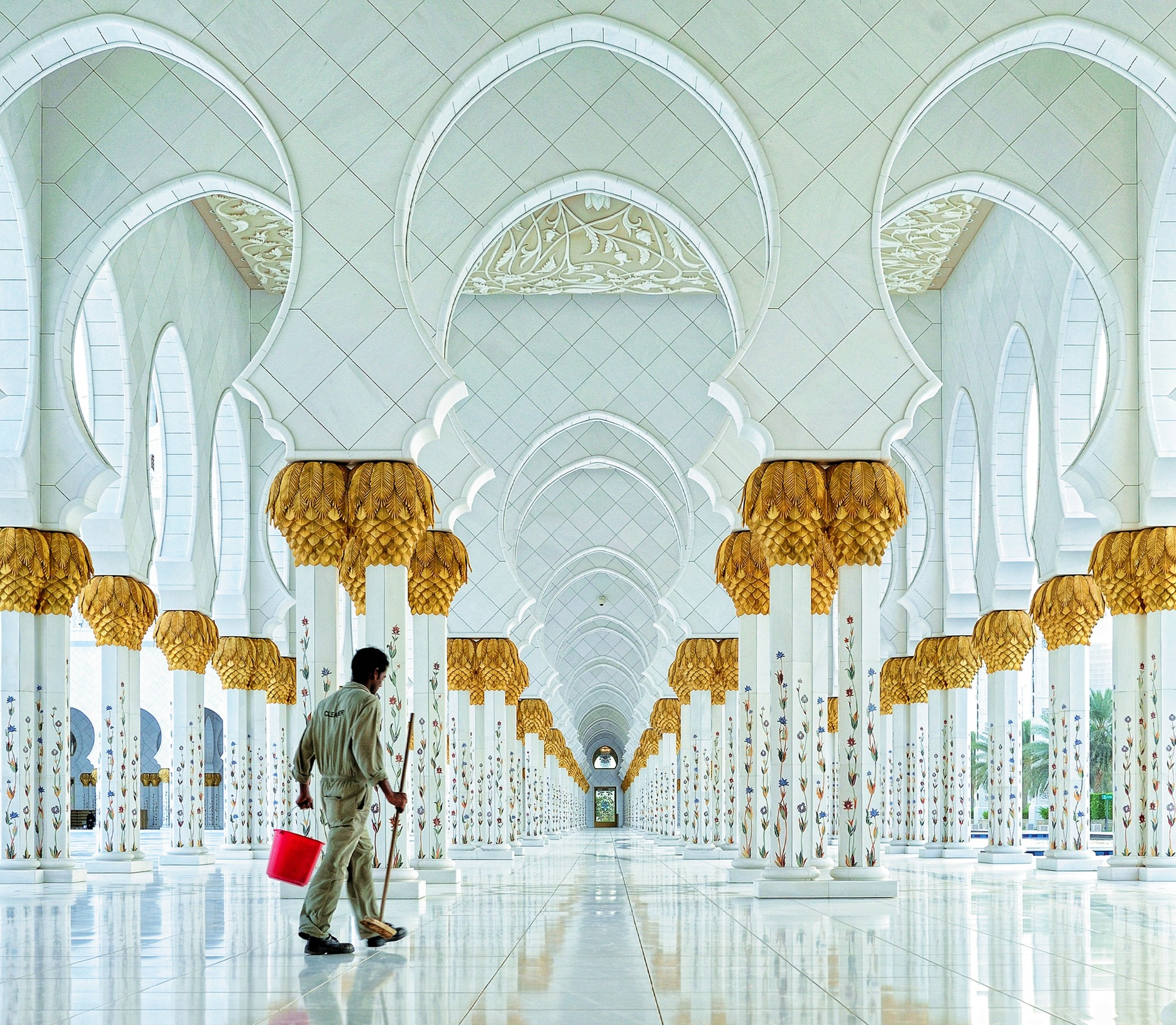 Sheikh Zayed Grand Mosque. Image © Hoang Long Ly