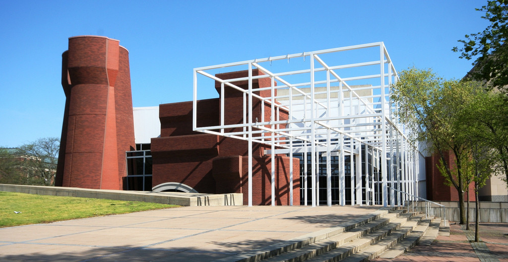 AD Classics: Wexner Center for the Arts / Peter Eisenman. Image © Flickr user OZinOH