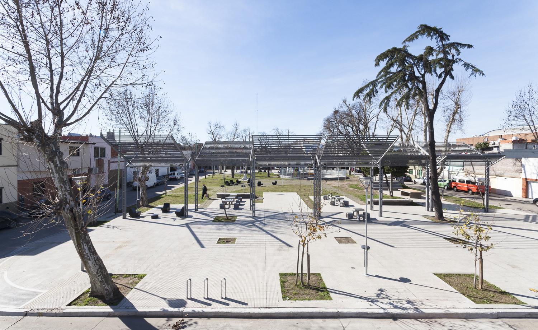 Magaldi and Unamuno Squares / Galpón Estudio, © Javier Agustín Rojas