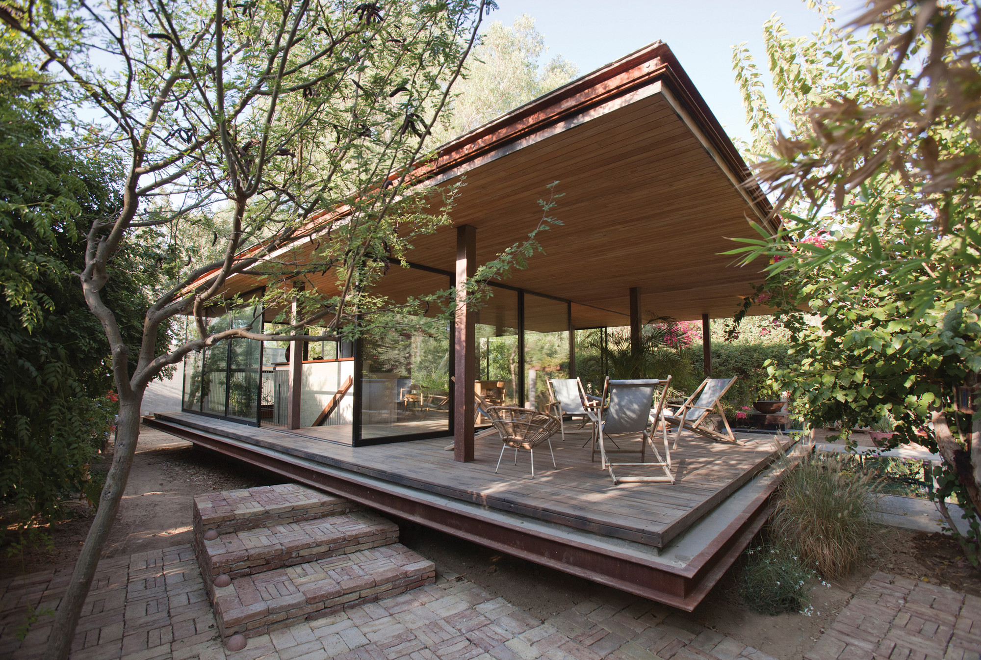 Pavilion at Architect's Residence / Kythreotis Architects, © Stelios Kallinikou