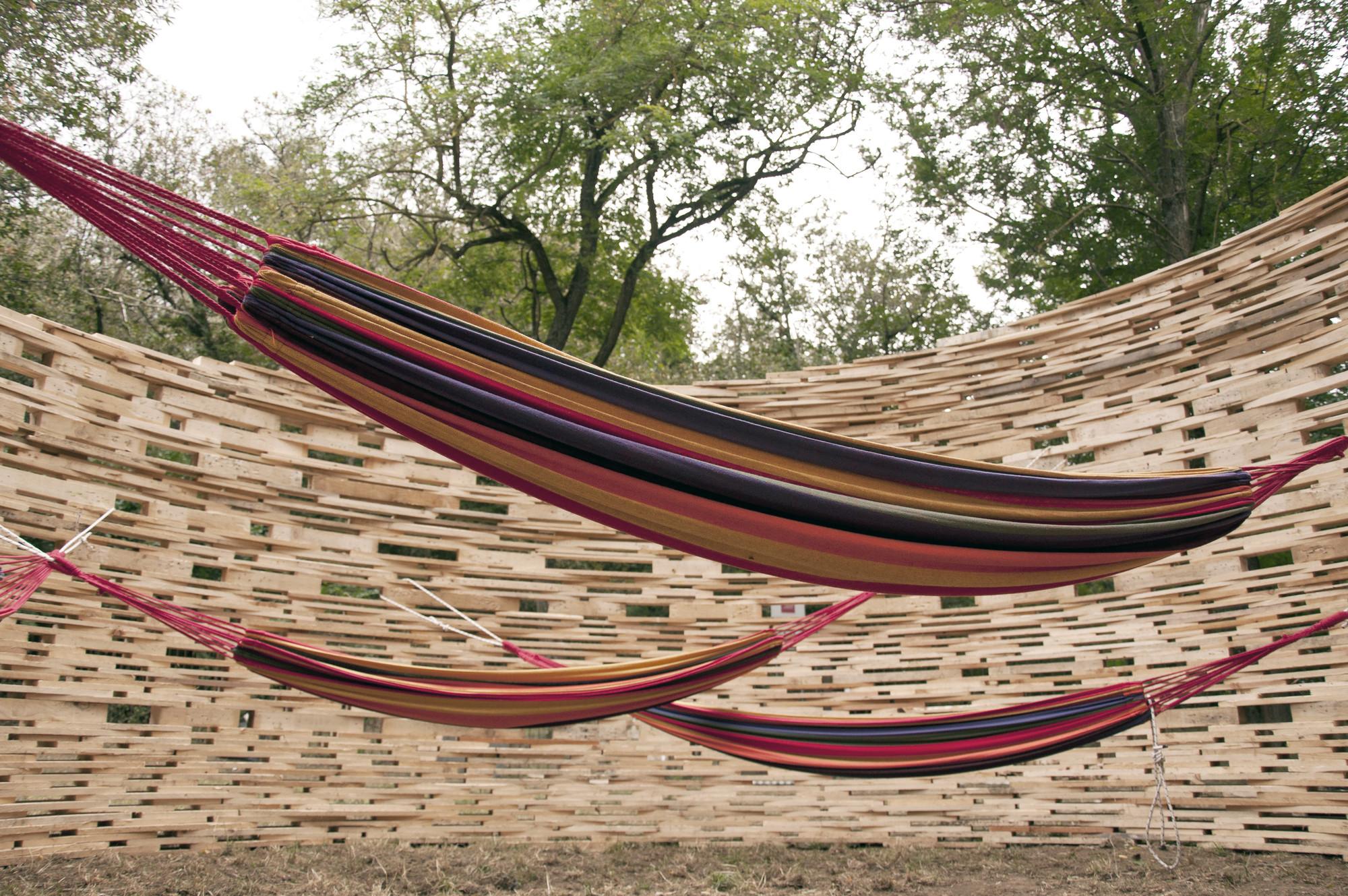 Plataformas de madera se transforman en un Observatorio Espacial Temporal, © Anita Baldassari